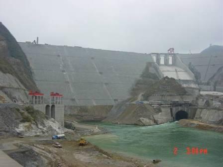 三板溪水电站自2002年7月正式开工后,经过3年多的工期建设,现已初步