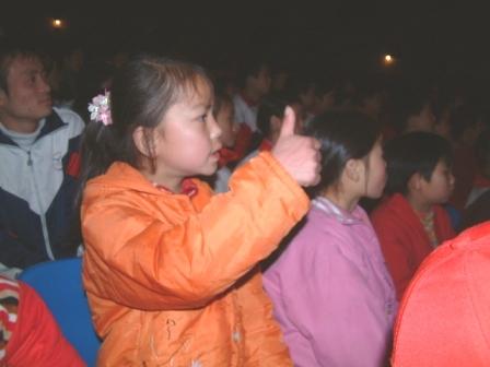 携起聋哑儿童的手 让无声世界充满爱和温暖
