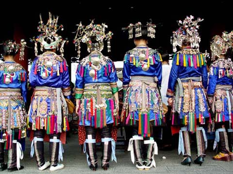 黔东南苗族侗族服装内容|黔东南苗族侗族服装版面设计