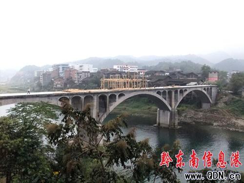 锦屏建全国最长 最高风雨桥