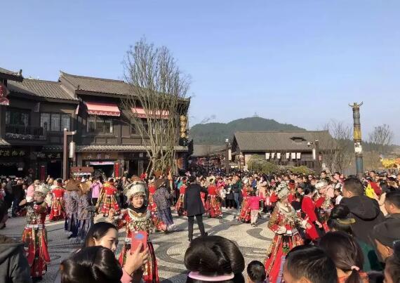 今年春节超21万游客在黔东南这个小镇狂欢!你造吗