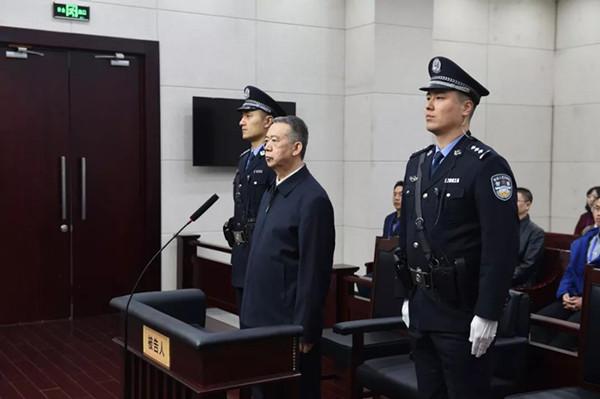 全��首例(li)!江�d一(yi)工�S(chang)老(lao)板(ban)因提前��(fu)工被拘留5天